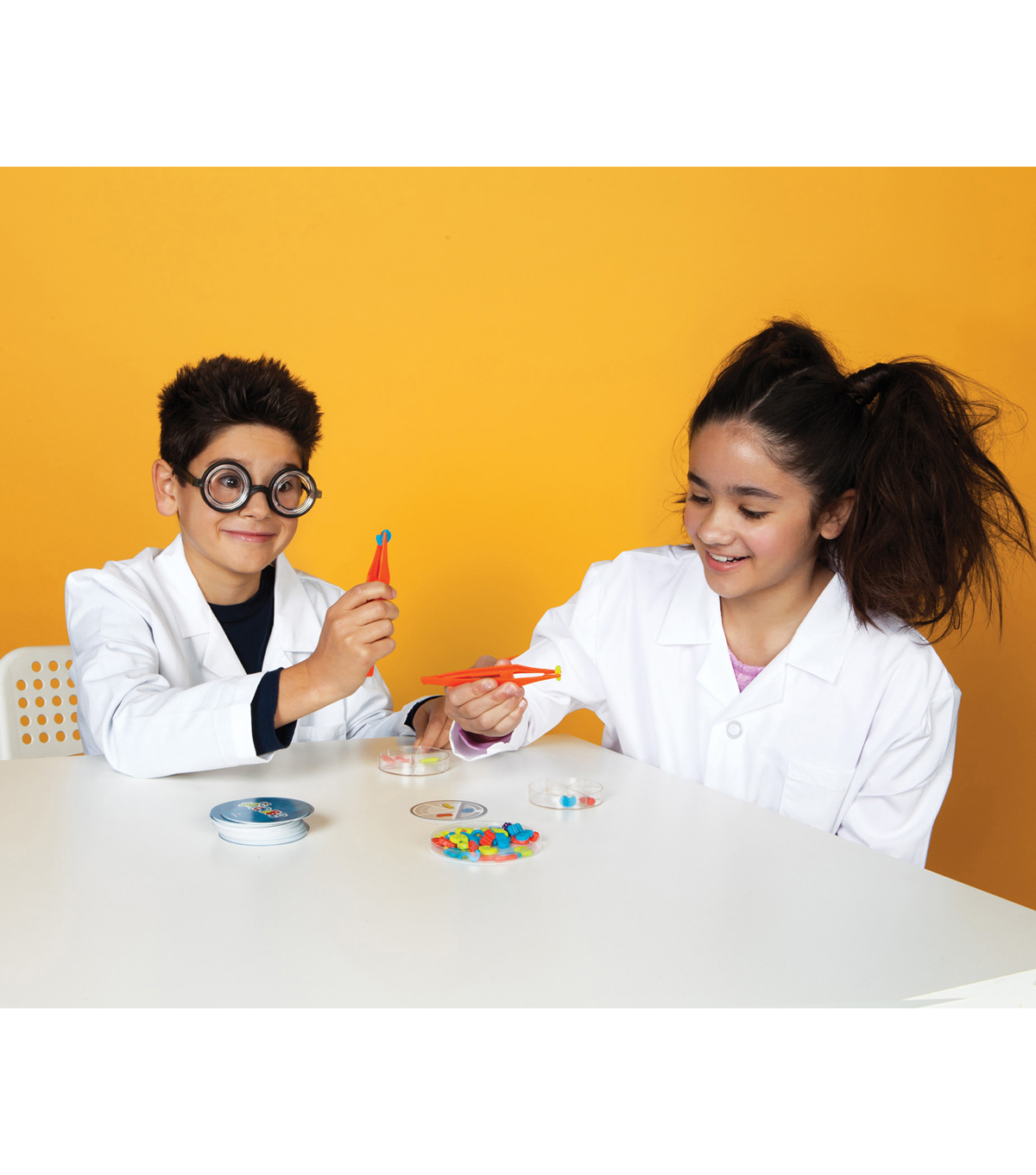 Blue Orange Games Dr. Microbe Game, Ages 8 and Up, 2-4 Players