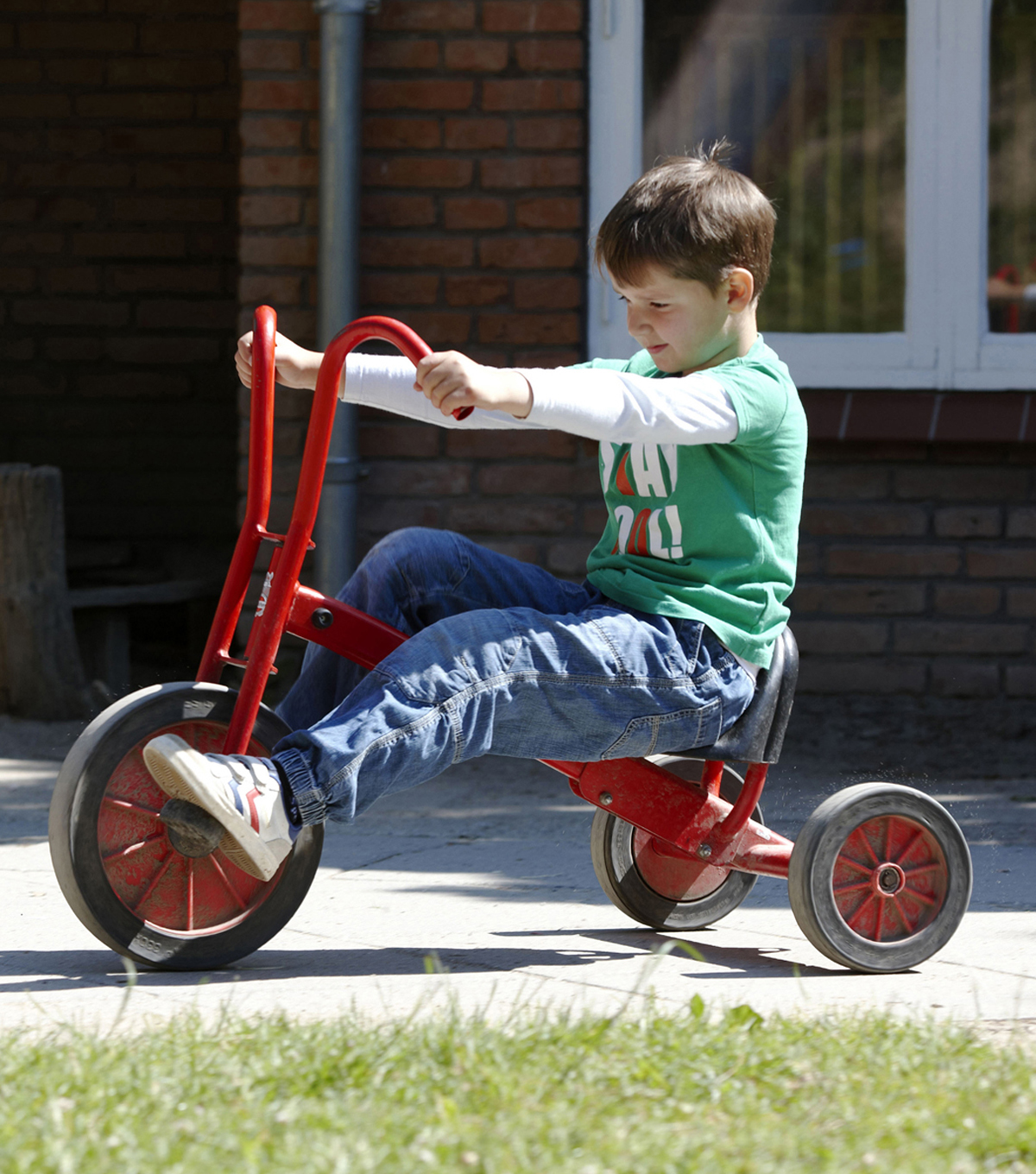Winther Viking Big Tricycle with Adjustable Seat-Red