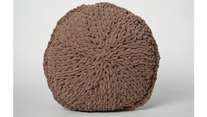 Loop Yarn Round Pillow