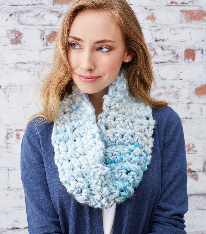 How To Make An Awesome Finger Crochet Cowl Joann