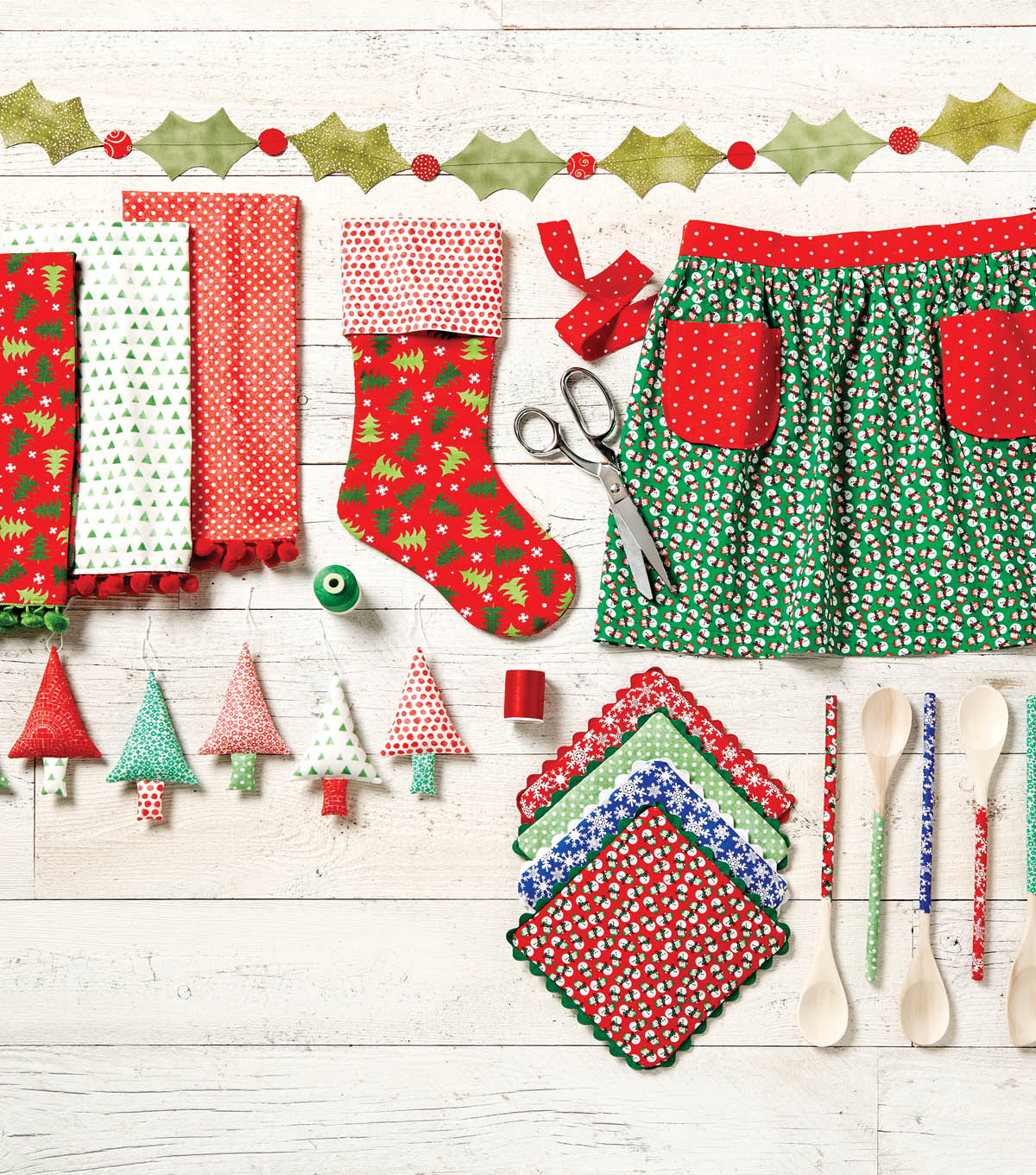 Jo Ann Fabrics And Crafts Mall: How To Make A Holly Leaf Garland