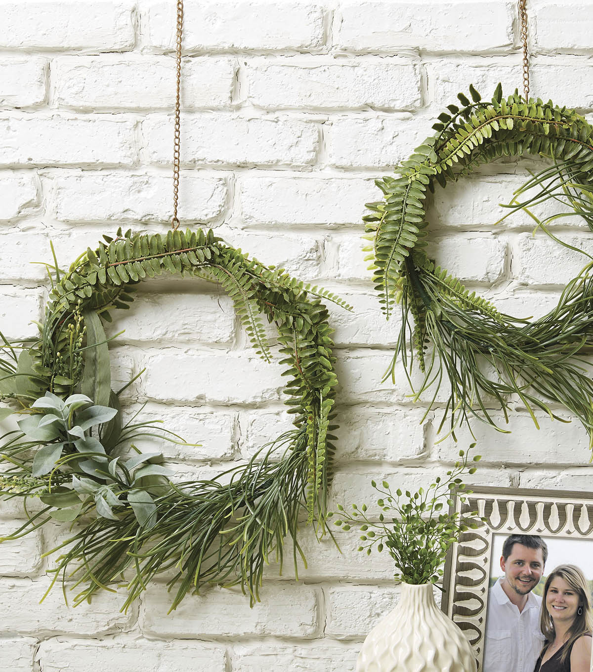 How To Make Minimalist Greenery Wreaths