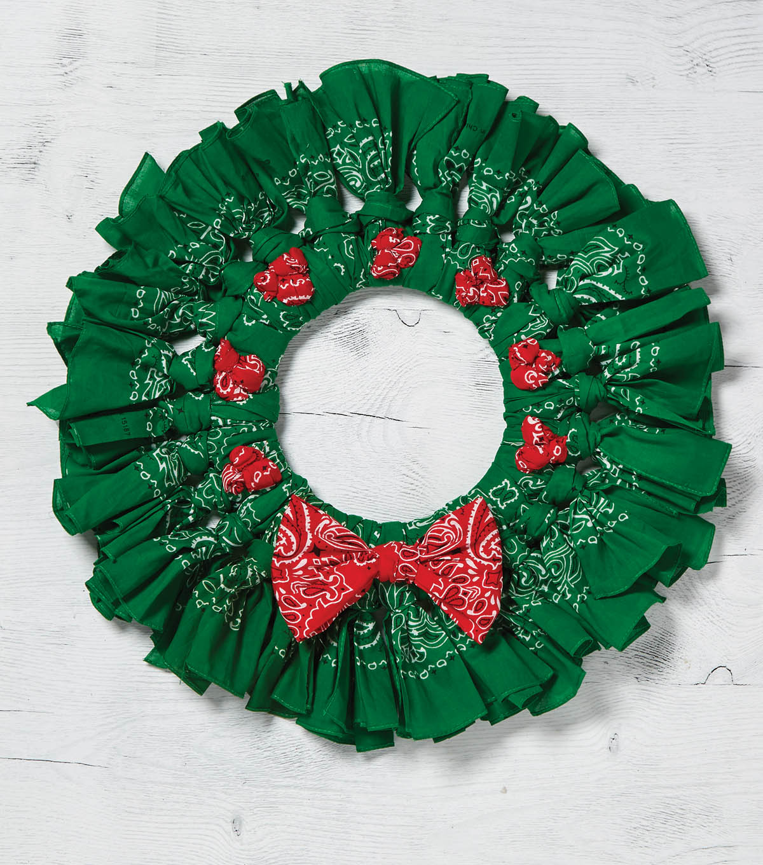 Learn To Make Green Berry Christmas Bandana Wreath