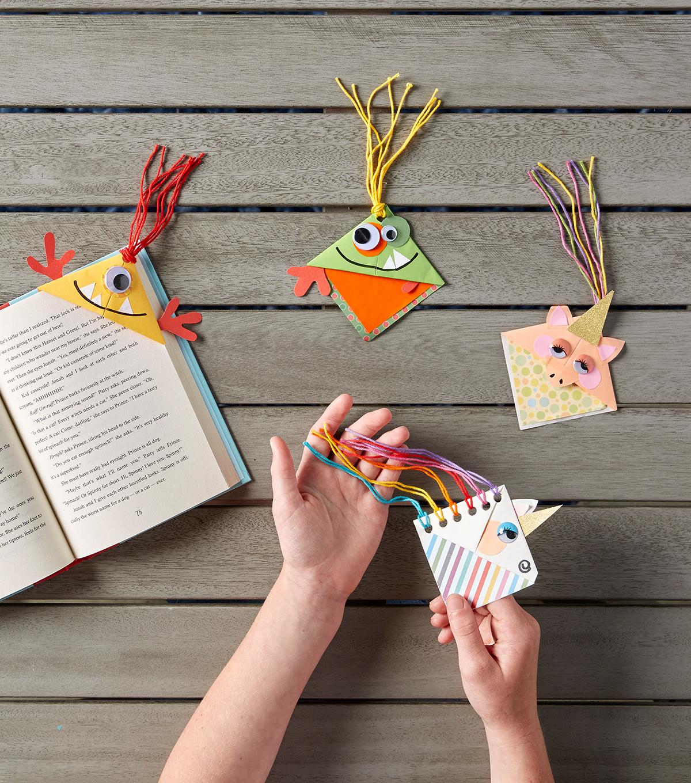 make paper corner bookmarks