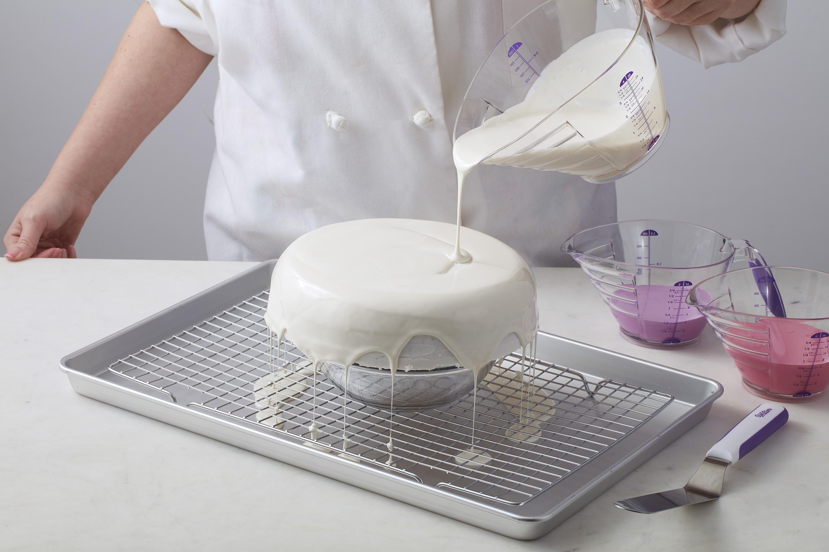 Make A Mirror Glaze Cake