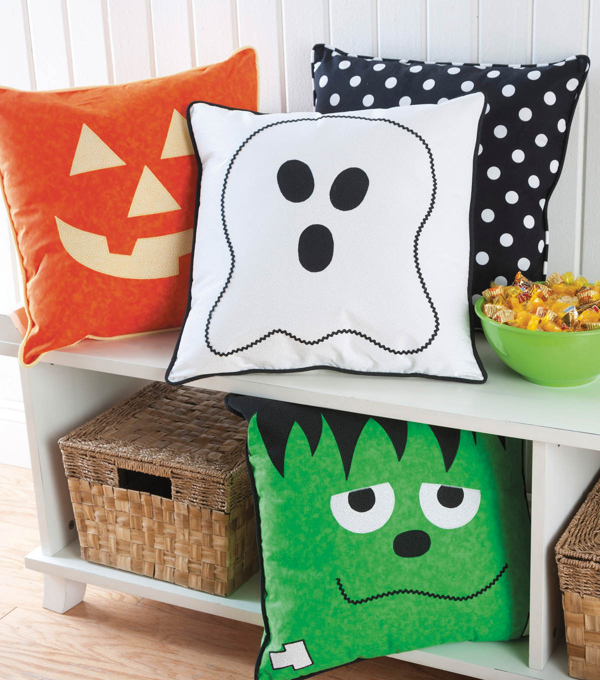 "18"" halloween face pillows - diy halloween pillows 