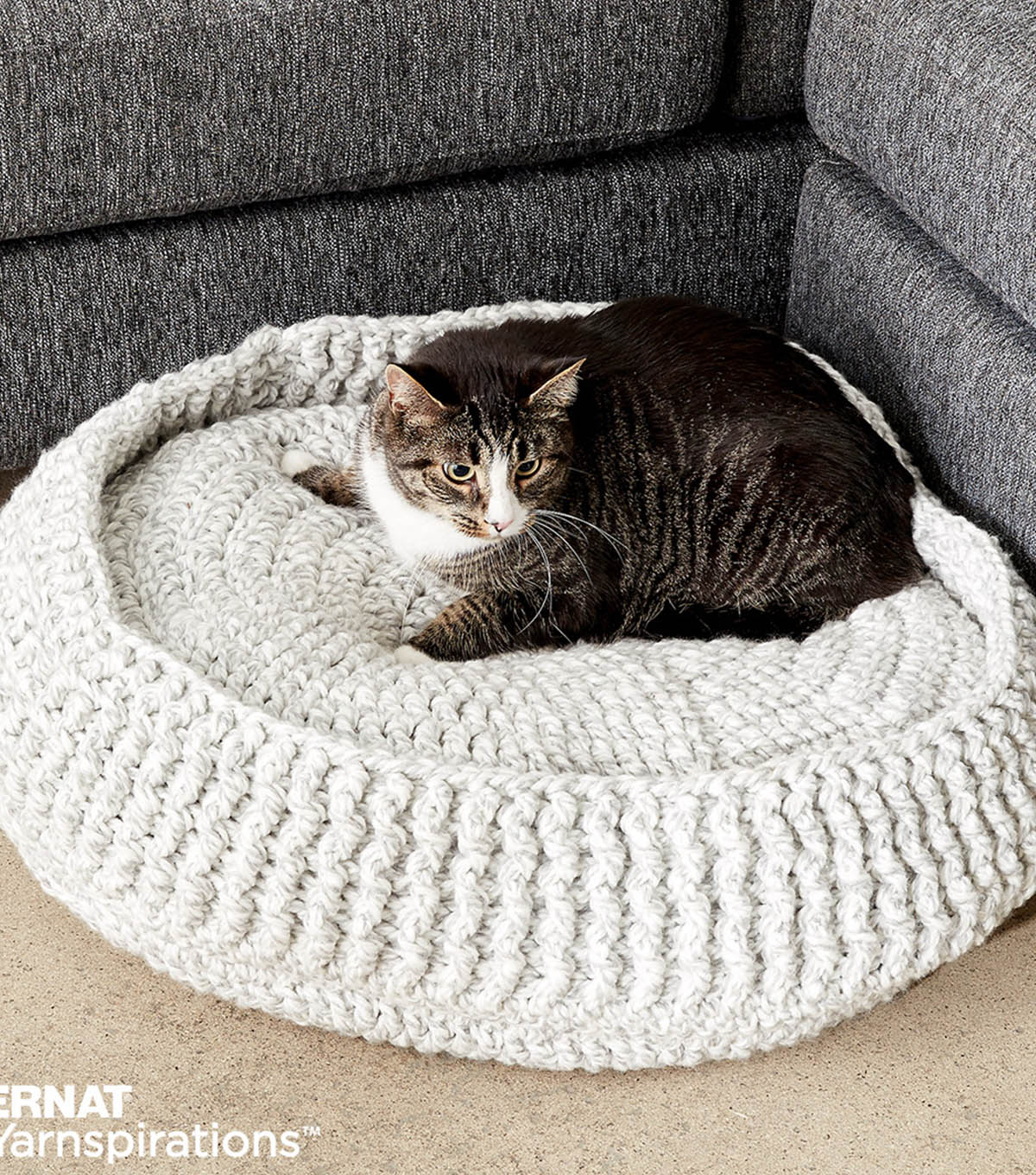 Ravelry: Technicolor Cat Bed pattern by DankFiber | 1360x1200
