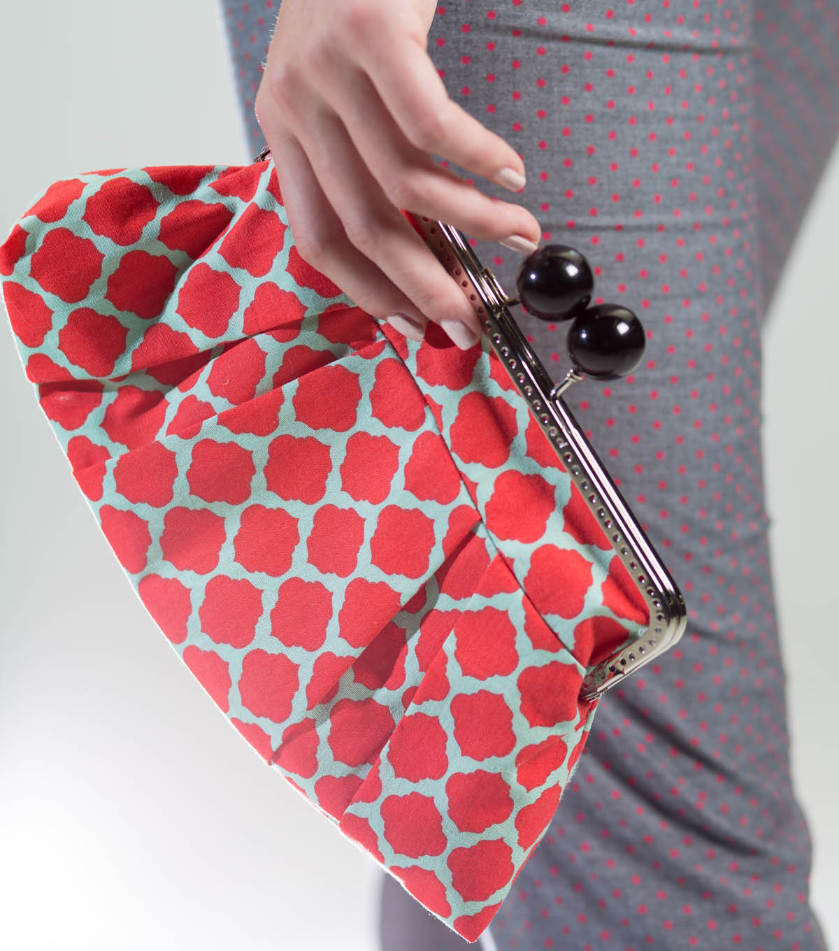 Retro Inspired Fabric Clutch Joann Byo Shell In Matte Burgundy