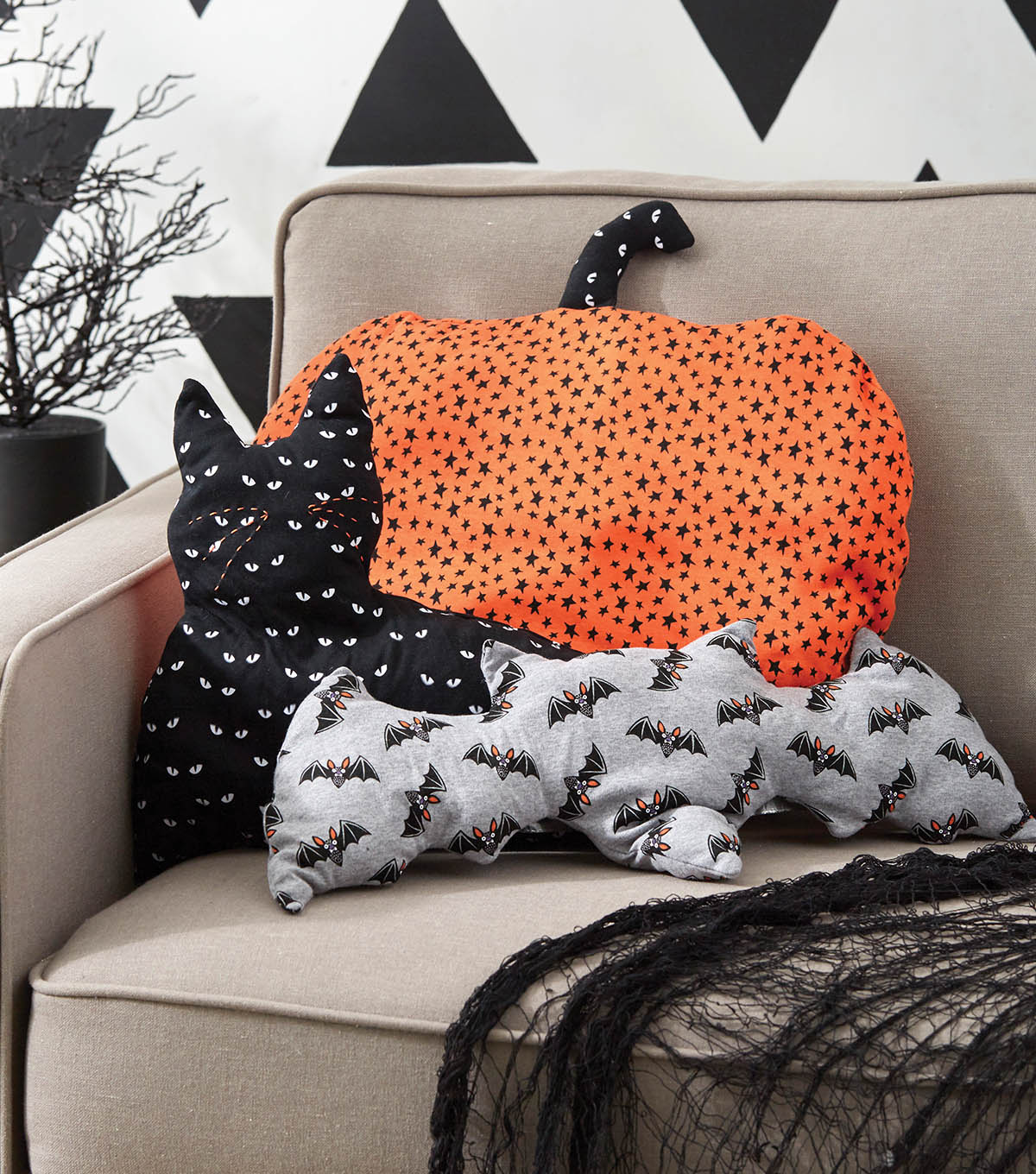 how to make a halloween pillow | joann