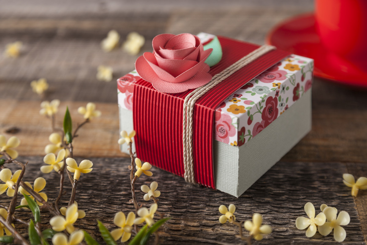How To Make A Corrugated Gift Box
