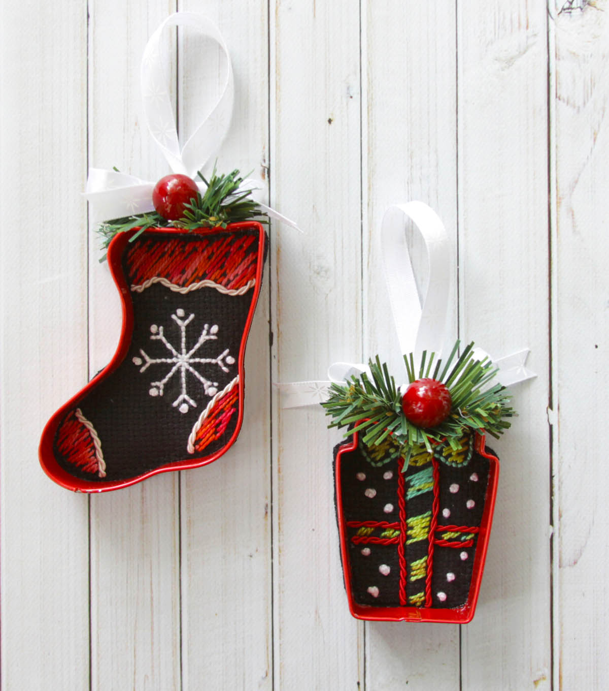How To Make Cookie Cutter Needle Arts Ornaments Joann