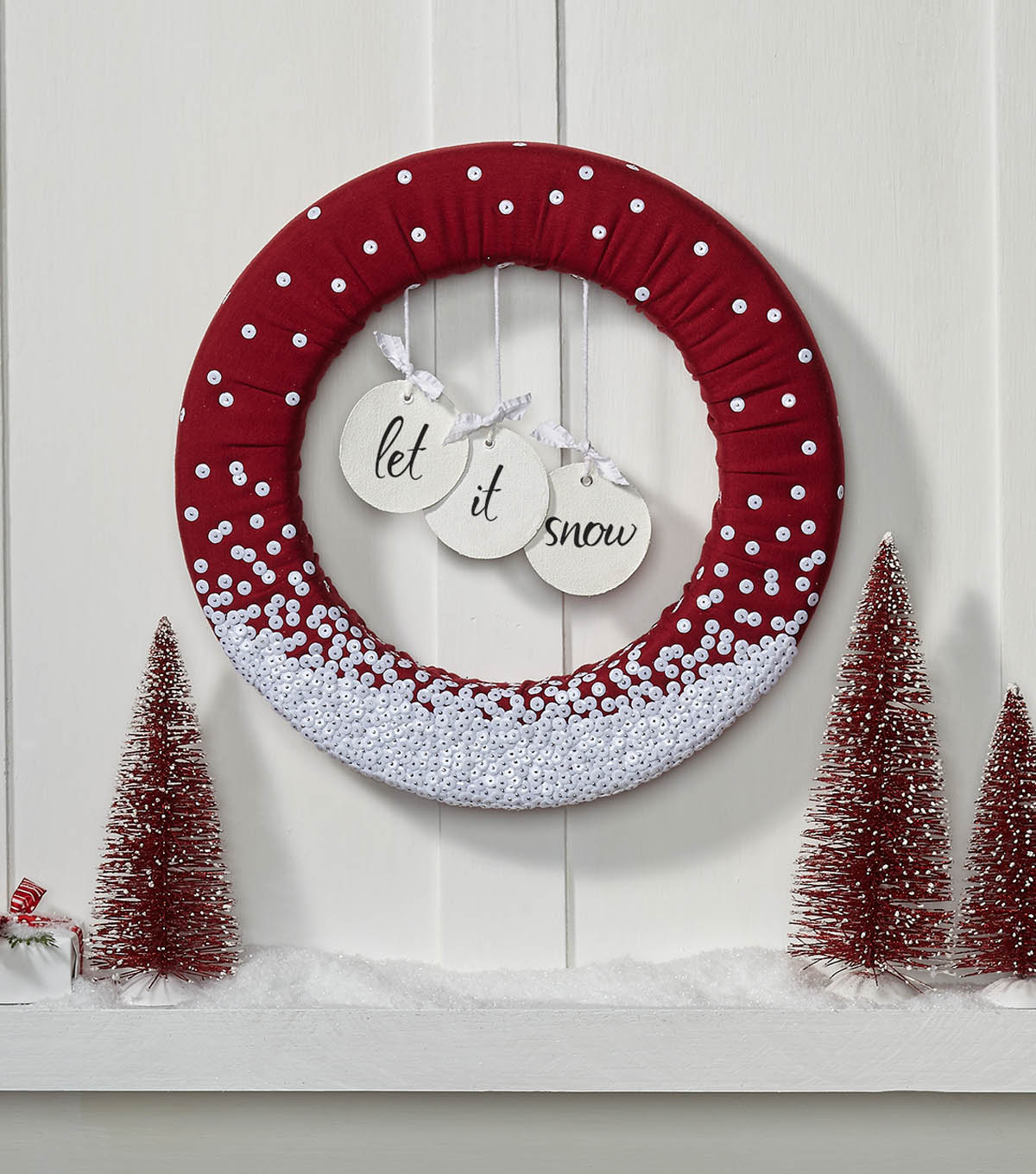 How to Make a Christmas Wreath - Christmas Decorations | JOANN