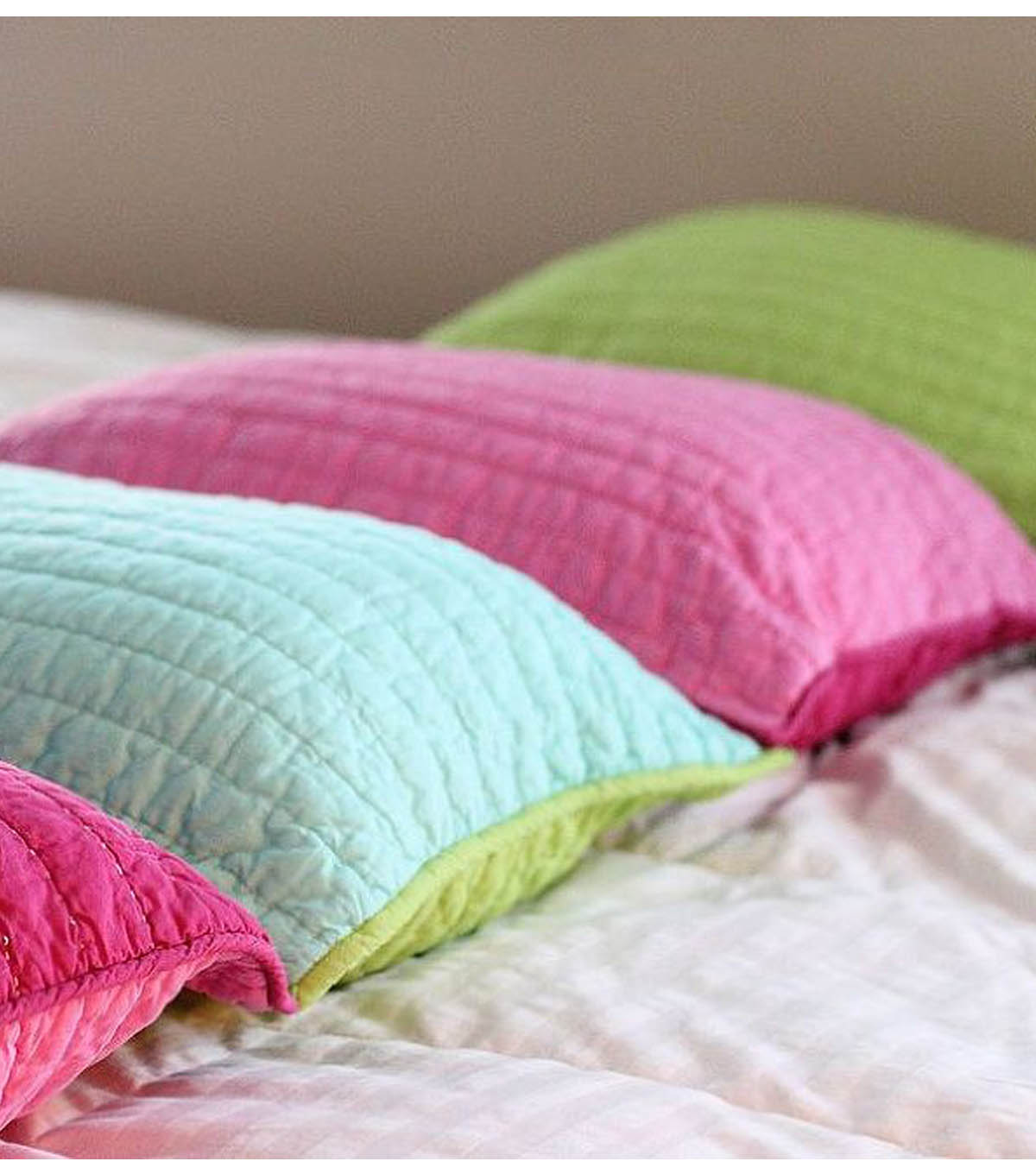 Pink When's Pillow Bed